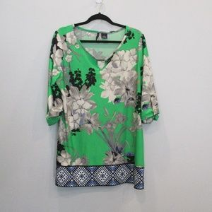 New Directions Tunic Style Top Green/Floral Large